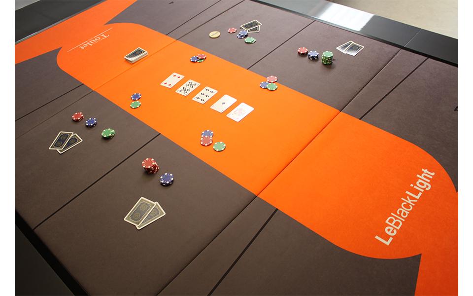 Mesa de billar Blacklight y estera de poker - Toulet